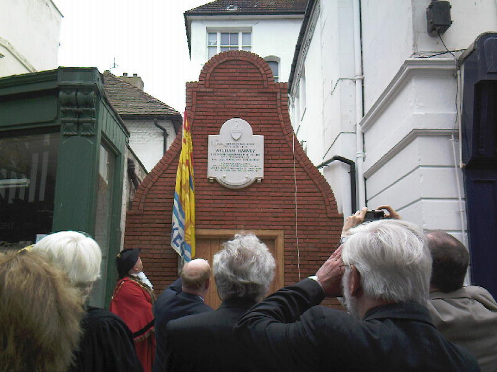 William Harvey memorial Folkestone- Nabresina.jpg